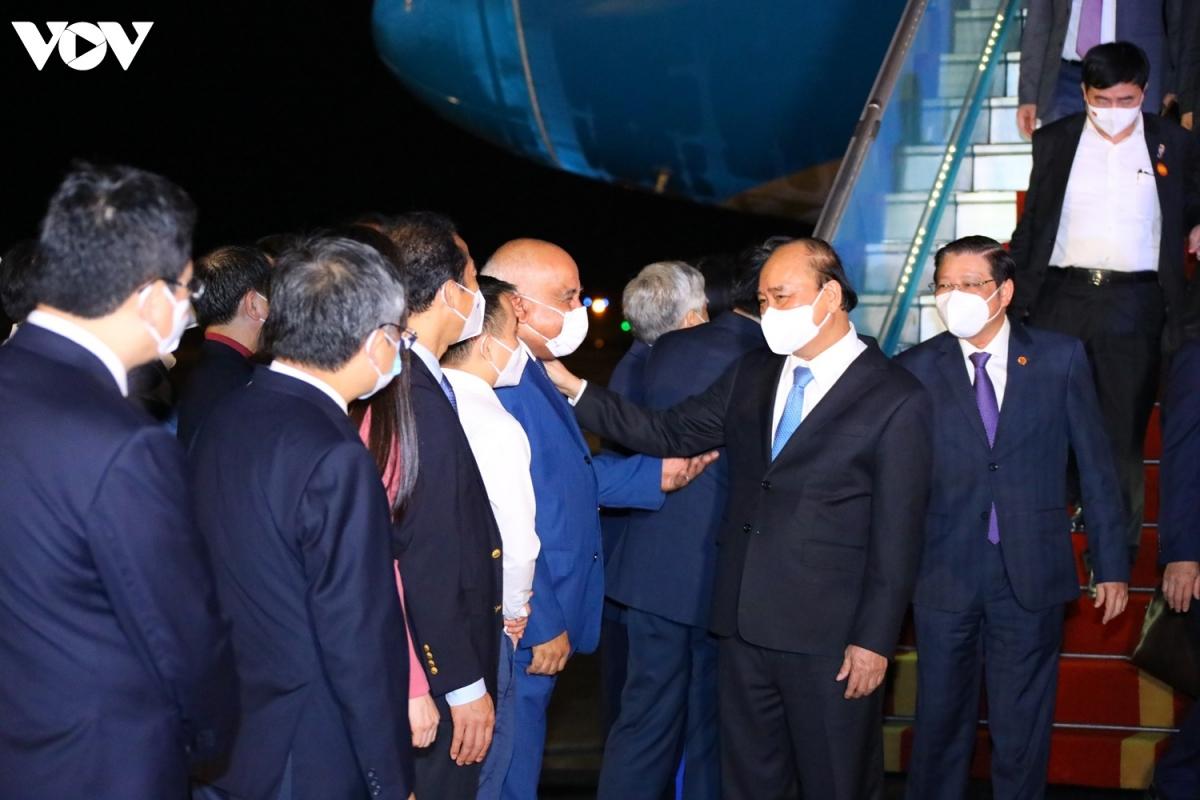 Chủ tịch nước chào thân mật với Đại sứ đặc mệnh toàn quyền Cộng hòa Cuba tại Việt Nam - ông Orlando Hernandez Guillen.