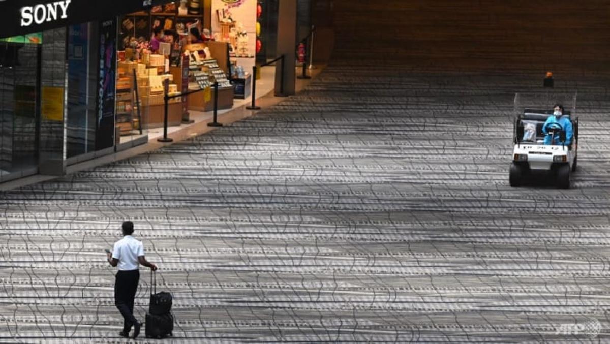 Khung cảnh vắng vẻ tạisân bay Changi Singapore. Ảnh: AFP