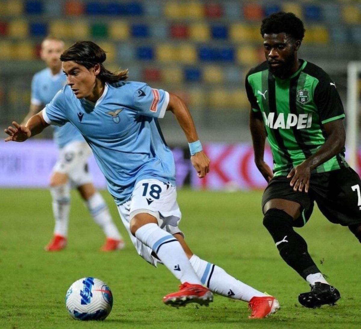 Luka Romero (Lazio / Argentina) - Dù chưa tròn 17 tuổi nhưng Romero đã được ra sân ở cả La Liga lẫn Serie A (2 trong số 5 giải đấu hàng đầu châu Âu). Tiền vệ cao 1m65 hiện đang khoác áo Lazio.