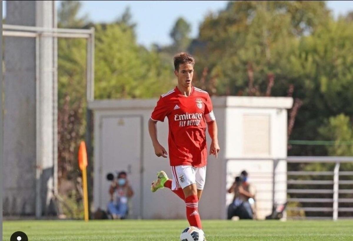 Hugo Felix (Benfica / Bồ Đào Nha) - Tiền vệ 17 tuổi hiện đang thi đấu cho đội U19 Benfica. Cầu thủ này đã có kinh nghiệm khoác áo các đội trẻ từ U15 đến U20 của Bồ Đào Nha.