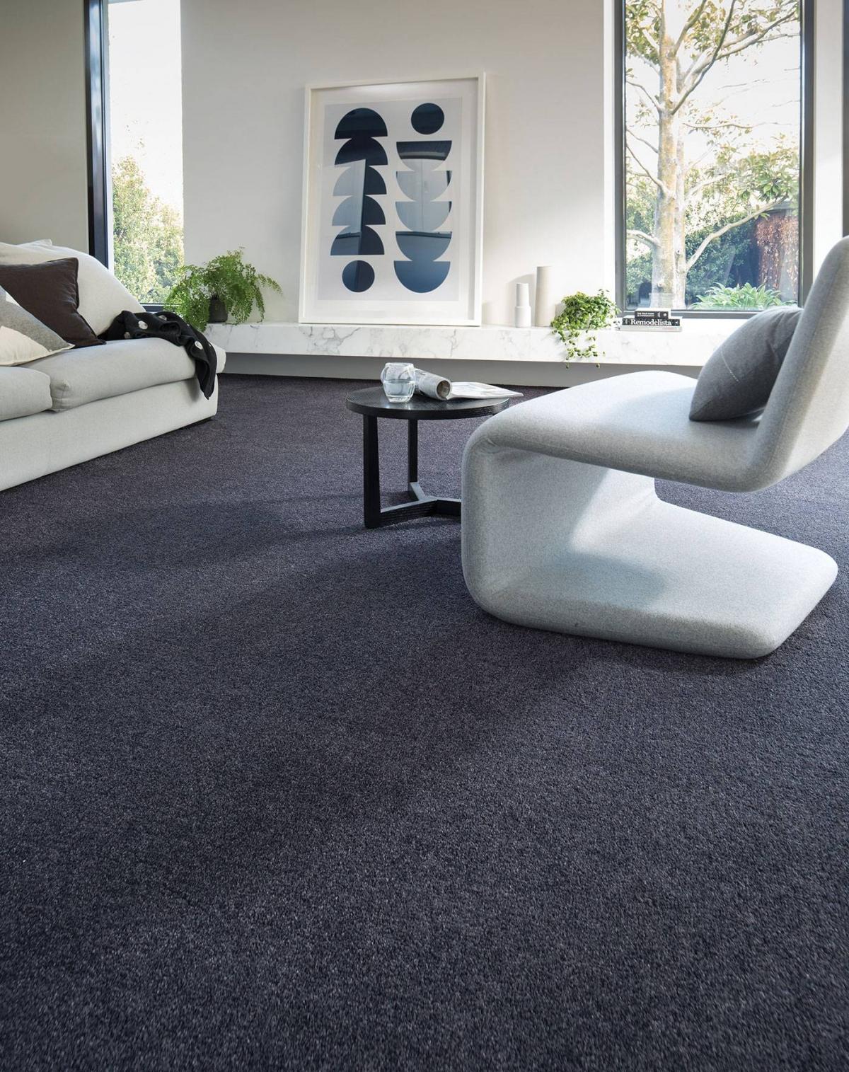 Sẽ rất cần một tấm thảm ở văn phòng, nơi làm việc bởi nó sẽ góp phần cách âm từ đó giữ được yên tĩnh, tăng khả năng tập trung trong công việc.