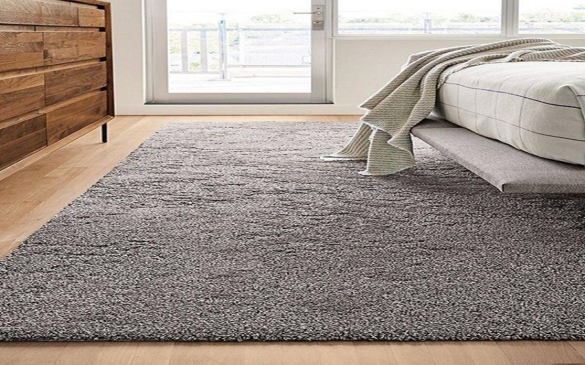 Thảm trải sàn có khả năng tạo cho bạn cảm giác ấm áp vào mùa đông và làm dịu nhẹ cảm giác oi bức vào mùa hè.