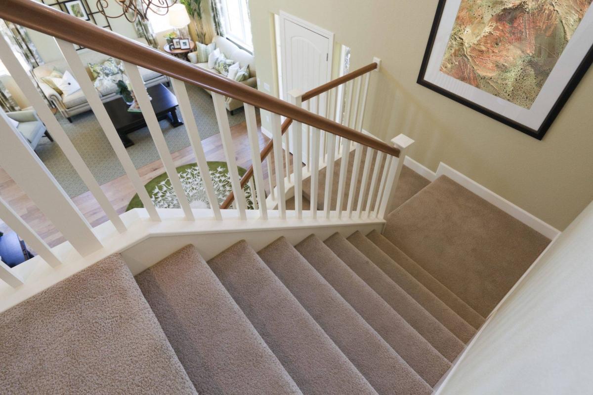 Thảm trải sàn cũng giúp cho những đứa trẻ trong nhà bạn an toàn hơn bởi không bị trơn trượt.