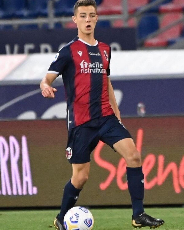 Kacper Urbanski (Bologna/Ba Lan) - Urbanski có trận ra mắt Bologna ở Serie A trong trận đấu với Genoa ở Serie A ngày 12/5/2021.