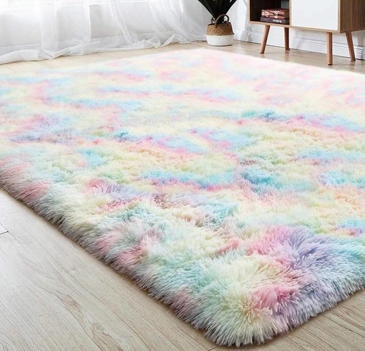 Thảm trải sàn cũng có tác dụng làm giảm tiếng ồn một cách hiệu quả.