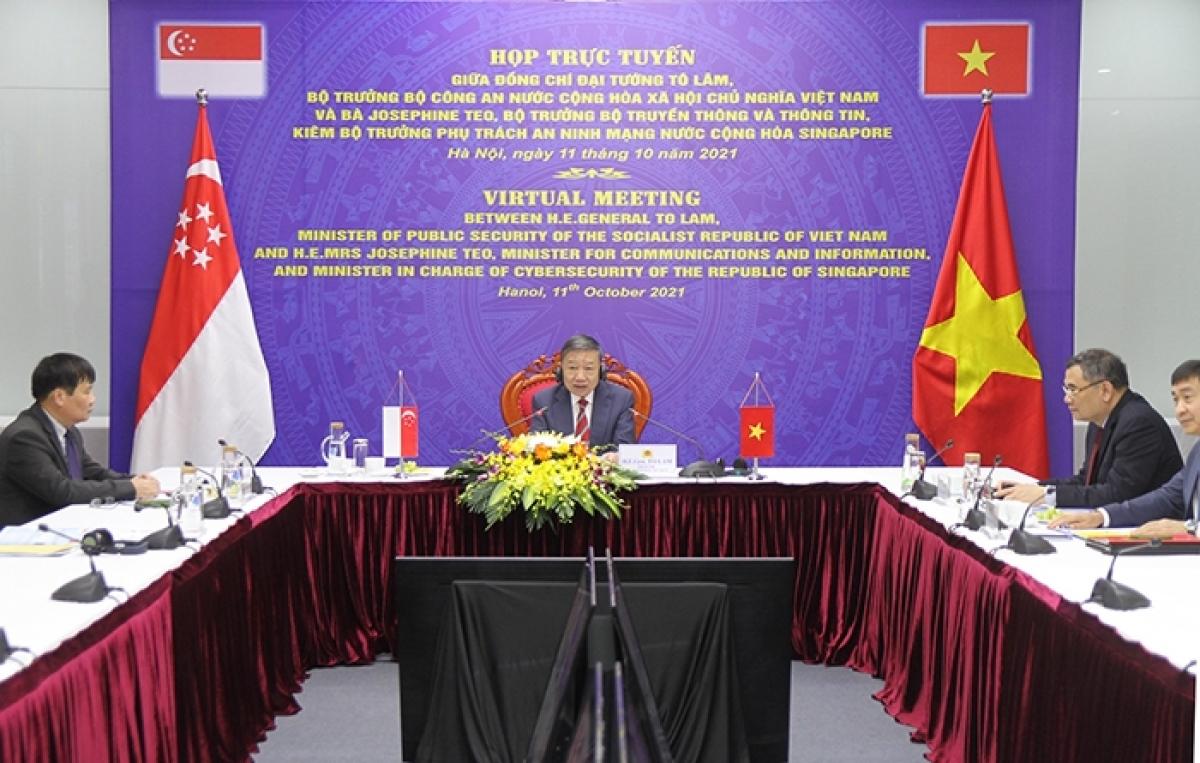 Họp trực tuyến giữa Bộ Công an Việt Nam và Bộ An ninh mạng Singapore.