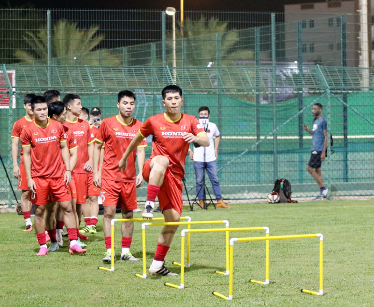 After three consecutive losses in the third round of Asian qualifiers, Korean head coach Park Hang-seo and the team must now work under pressure. They hope to get a positive result against Oman in order to have a chance to remain competitive in Group B.