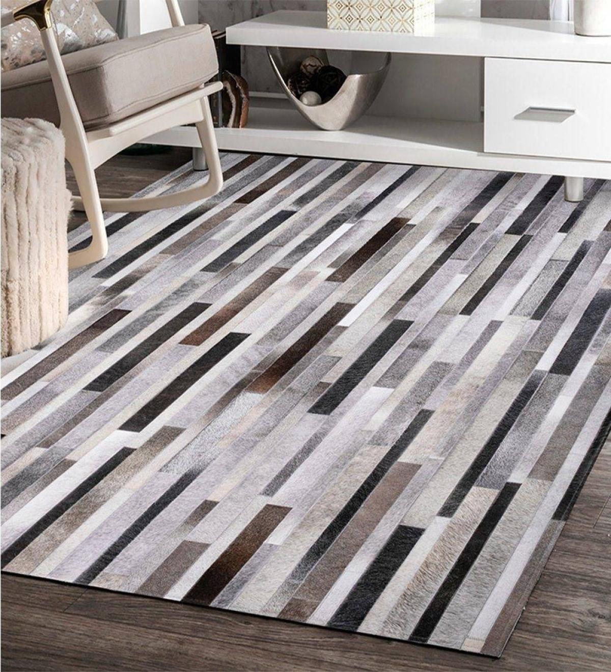 Tính linh hoạt và độ bền của thảm khiến chúng trở thành lựa chọn ưu tiên của nhiều gia đình. Thảm trải sàn có thể dễ dàng di chuyển từ phòng này sang phòng khác một cách dễ dàng.