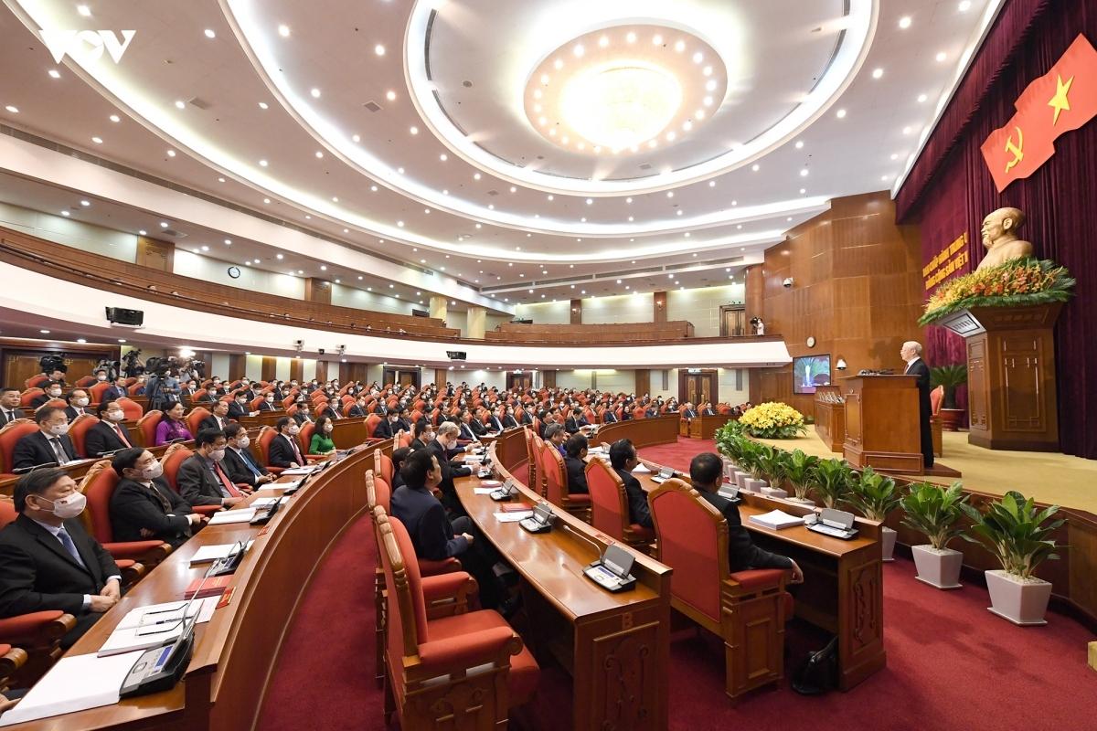 Hội nghị lần thứ tư Ban Chấp hành Trung ương Đảng khoá XIII bế mạc vào sáng 7/10.