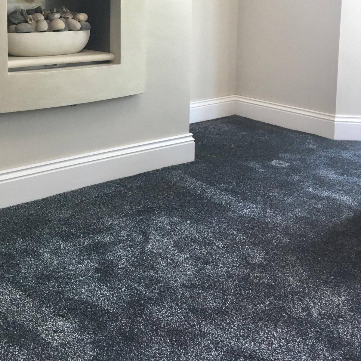 Bên cạnh khả năng giảm tiếng ồn thì thảm trải sàn còn có tác dụng làm cho không gian trở nên ấm áp hơn.