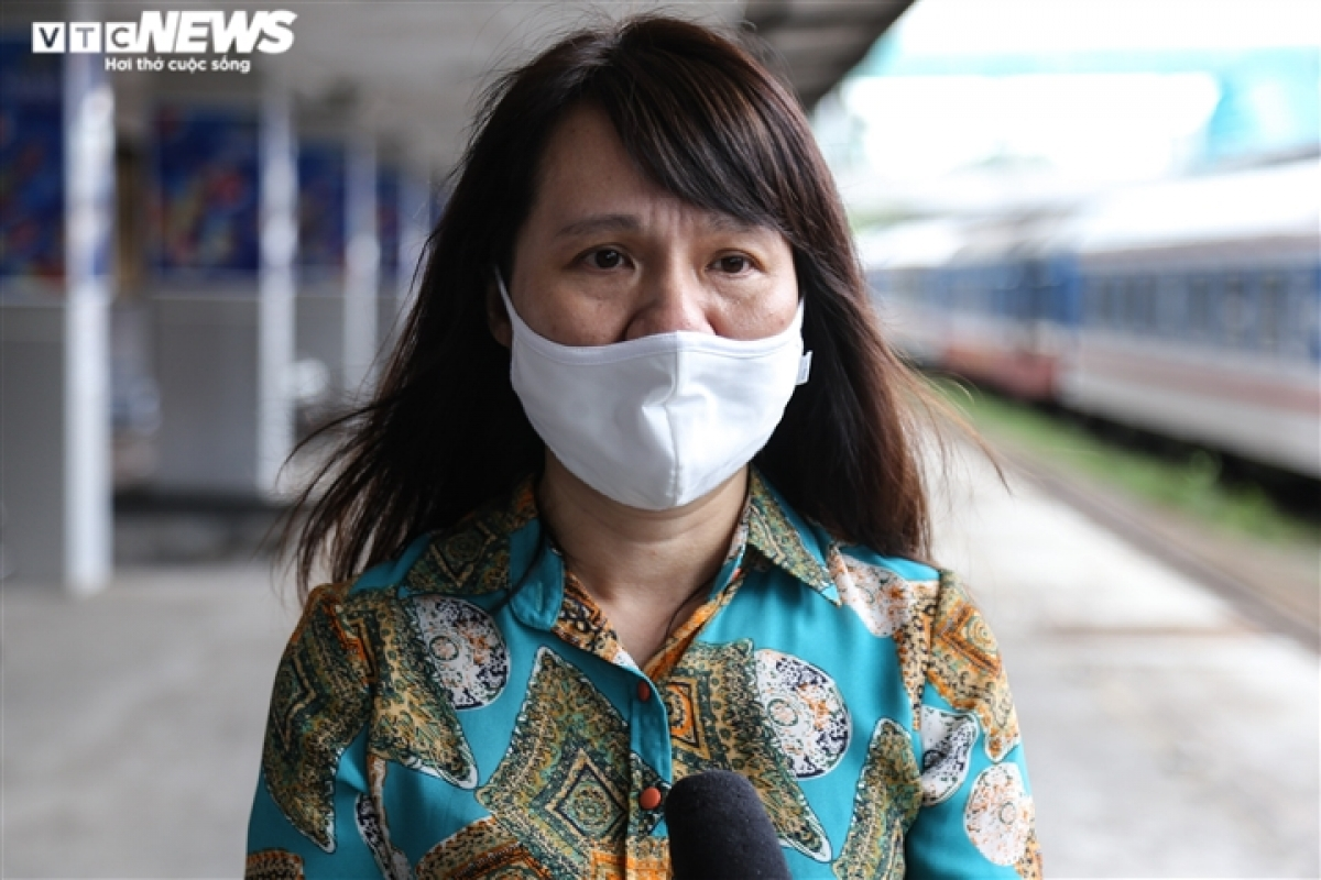 Pham Thi Anh Dao, head of Hanoi Railway Station (Haraco), says the station has been thoroughly disinpected to follow the Ministry of Health's COVID-19 guidelines. Tickets are also being sold online through popular apps such as Zalo and Facebook to avoid large gatherings.