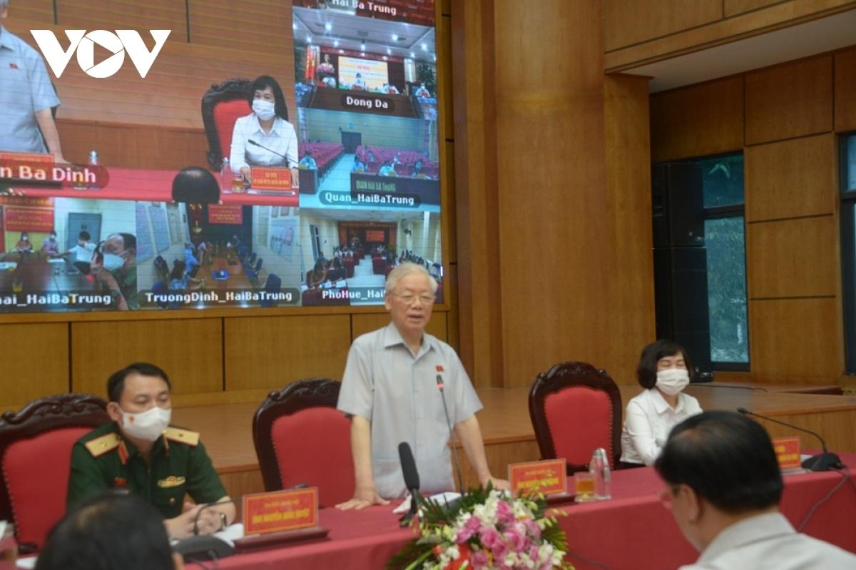 Tổng Bí thư Nguyễn Phú Trọng cùng các đại biểu Quốc hội TP Hà Nội (Đơn vị bầu cử số 1) tiếp xúc cử tri các quận Ba Đình, Đống Đa, Hai Bà Trưng sáng 9/10.