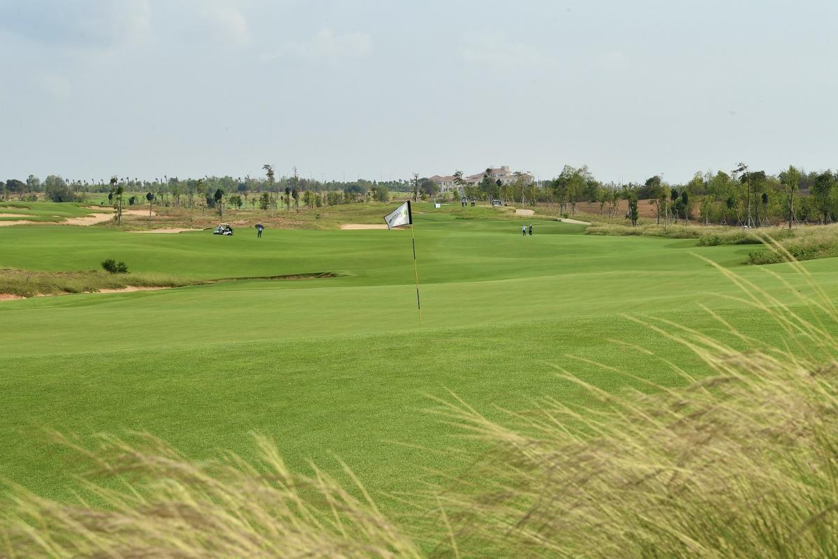 Tuấn Tú háo hức sớm nhận nhà để trải nghiệm ngay cụm sân golf PGA độc quyền 36 hố tại NovaWorld Phan Thiet.