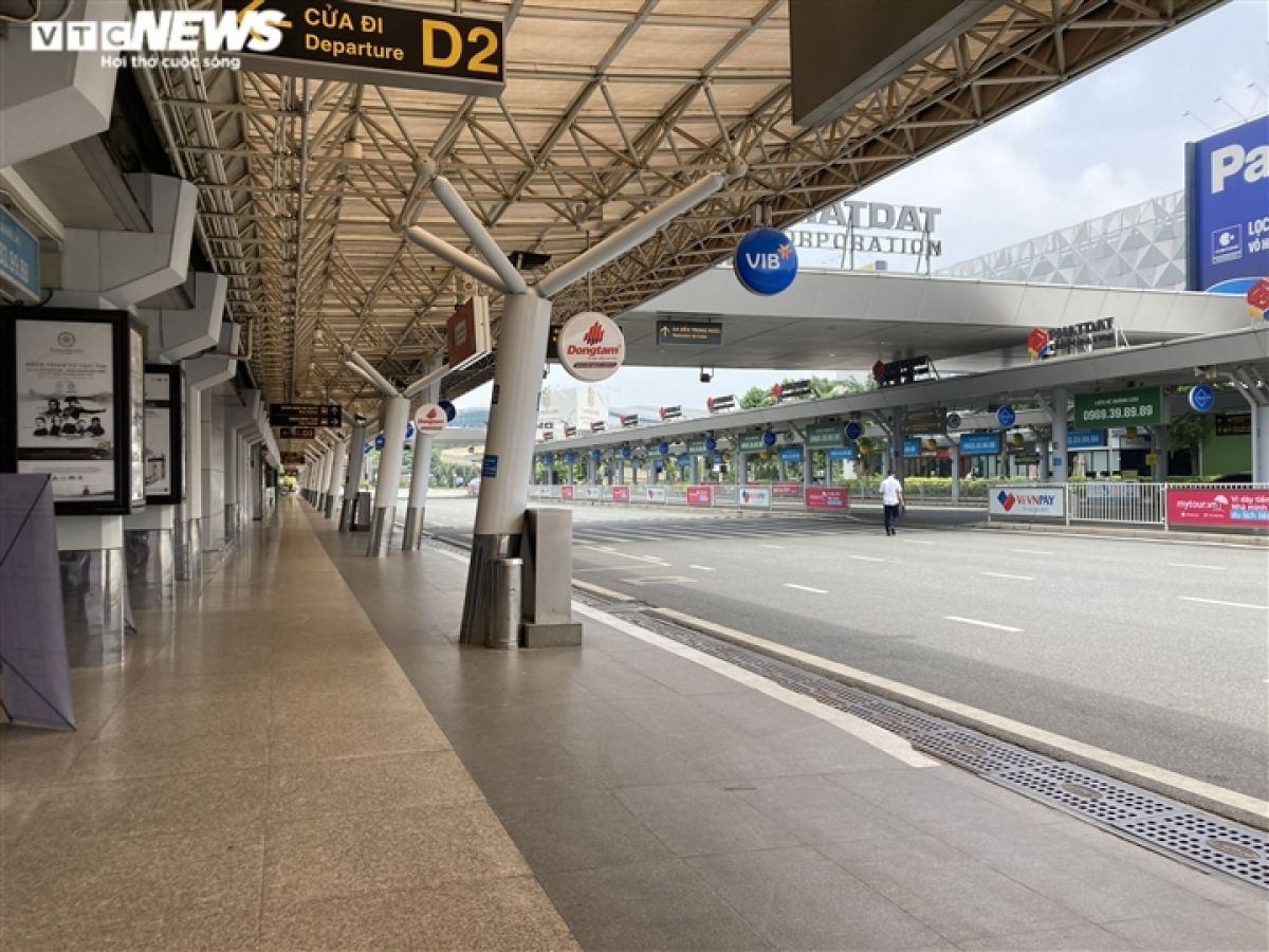 Tan Son Nhat International Airport plans to run a total of 132 round-trip flights per day between Ho Chi Minh City and 18 cities and provinces throughout the country.