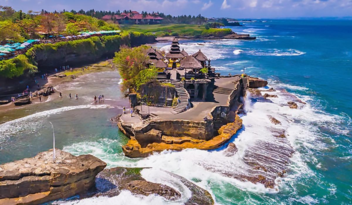 Indonesia mở cửa trở lại hòn đảo du lịch Bali cho du khách từ 19 quốc gia đủ điều kiện. Ảnh: KT