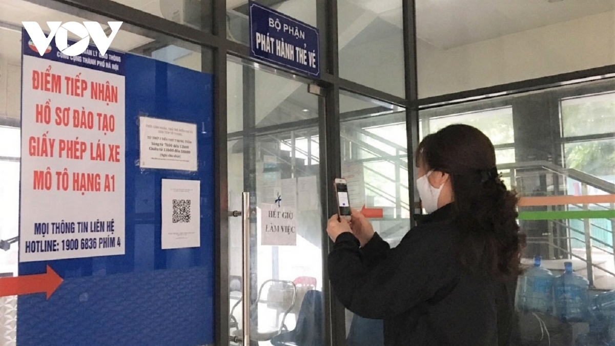 Bottles of hand sanitizer, QR codes for passengers to scan, and notices on the Health Ministry's 5K message for the nation's COVID-19 fight, are available on all buses.