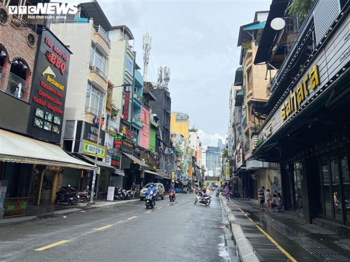 A typically bustling area before COVID-19, Bui Vien street is now left deserted due to the impact of the pandemic.