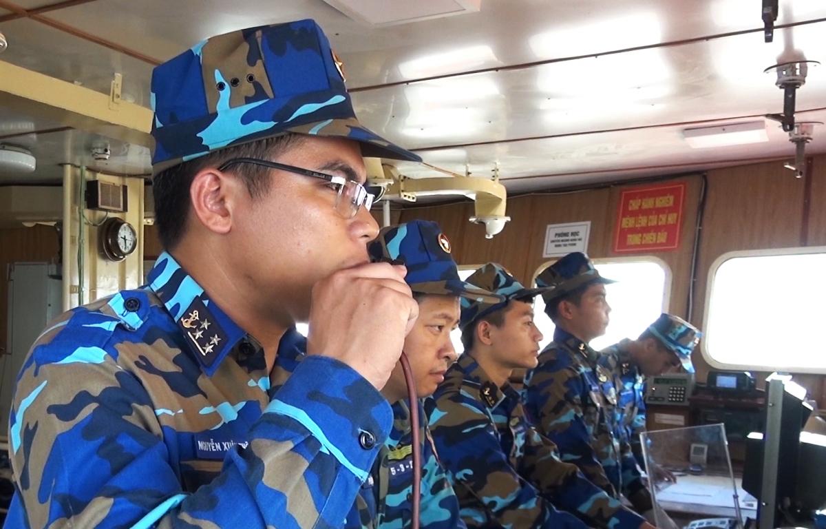 Chỉ huy huấn luyện chiến đấu trên tàu