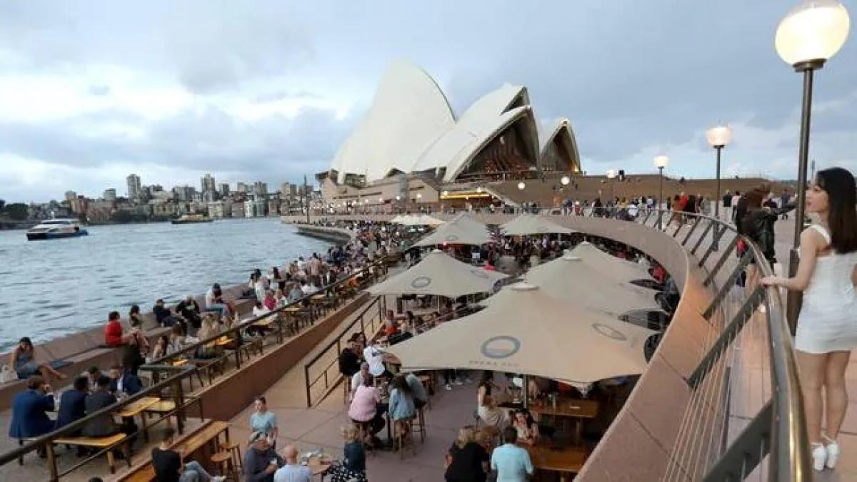Thành phố Sydney (Australia) mở cửa trở lại sau gần 4 tháng phong tỏa