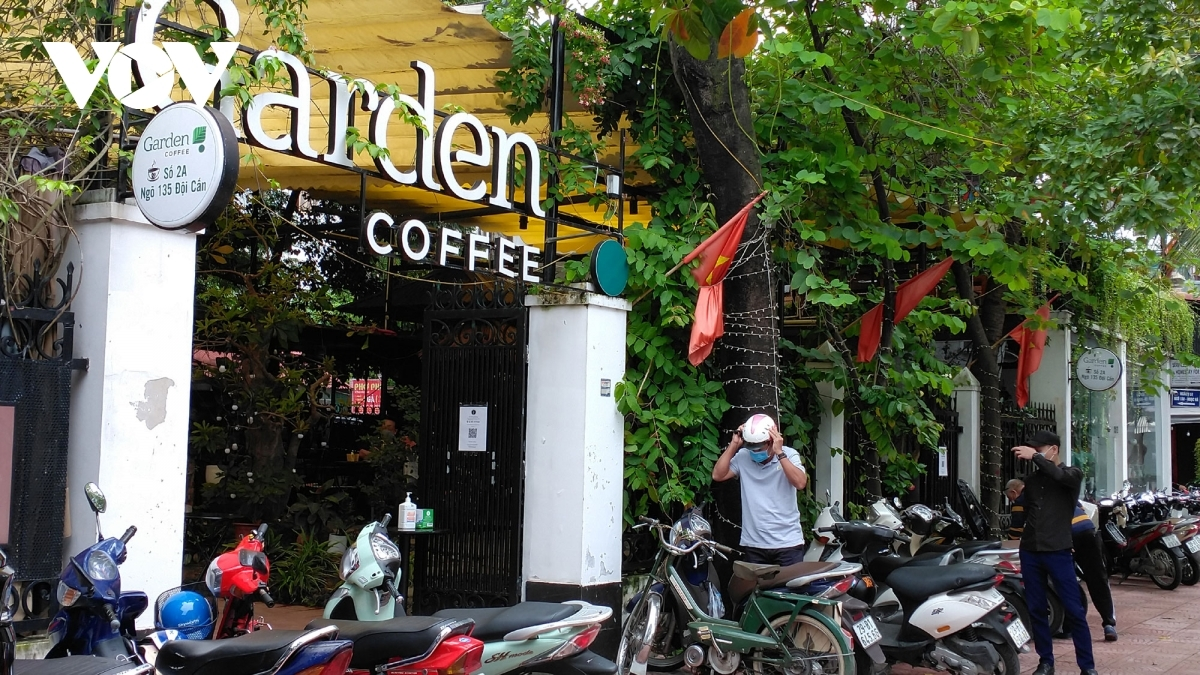 Coffee shops which have been left quiet for weeks now appear bustling for the whole day.