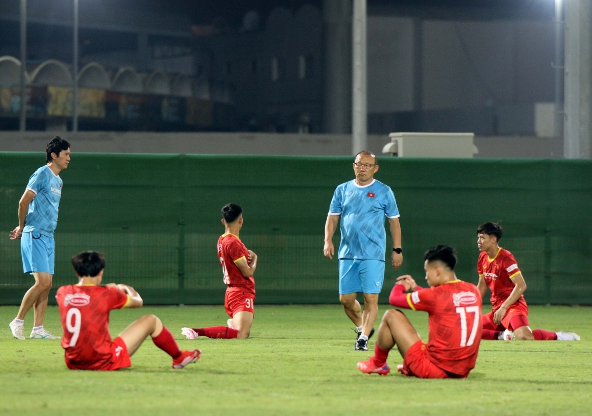 Due to suffering an injury in his left leg Van Thanh is unable to complete the session.