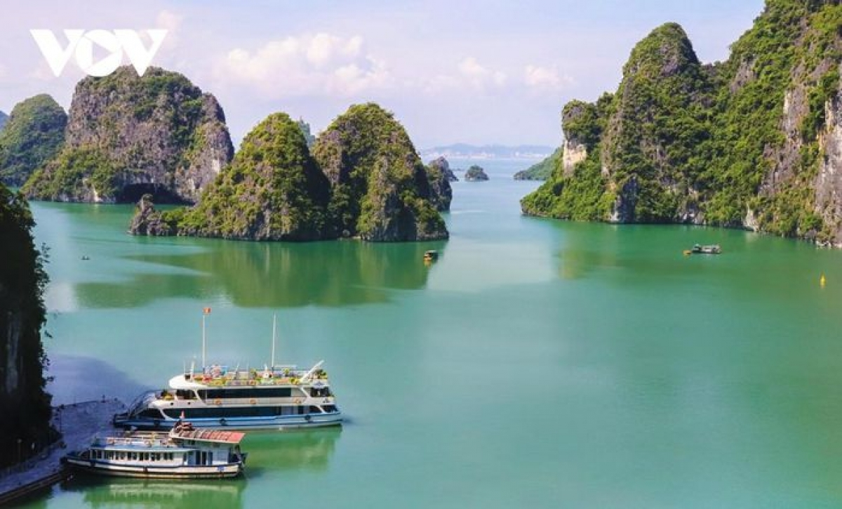 """With Quang Ninh province entering a """"new normal"""" from September 21, many tourism destinations are permitted to receive local guests while also maintaining COVID-19 control measures."""