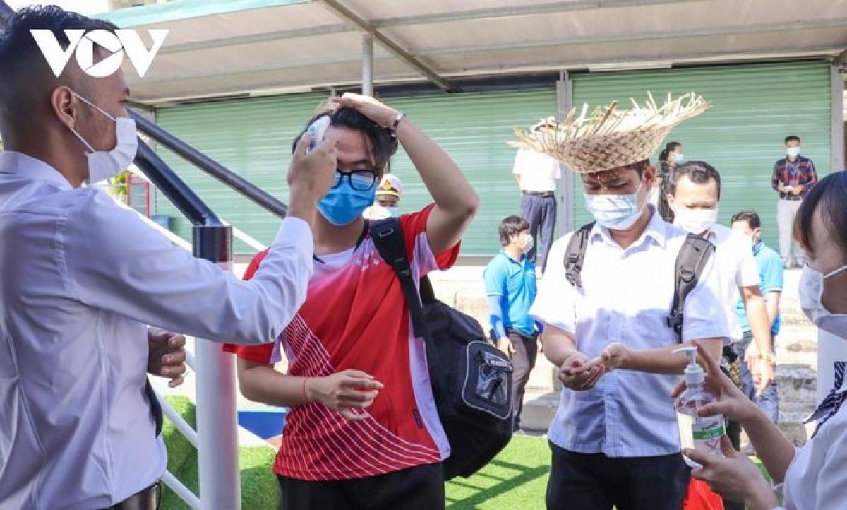 Ha Long Bay offers free entrance tickets to all local people, although guests are required to complete a healthcare declaration, have their body temperature measured, and scan QR codes.