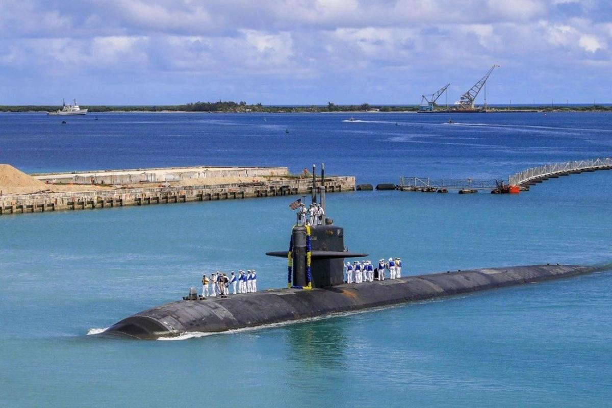 Tàu ngầm hạt nhân USS Oklahoma của Hải quân Mỹ hiện diện ở Đảo Guam. Ảnh: Hải quân Mỹ
