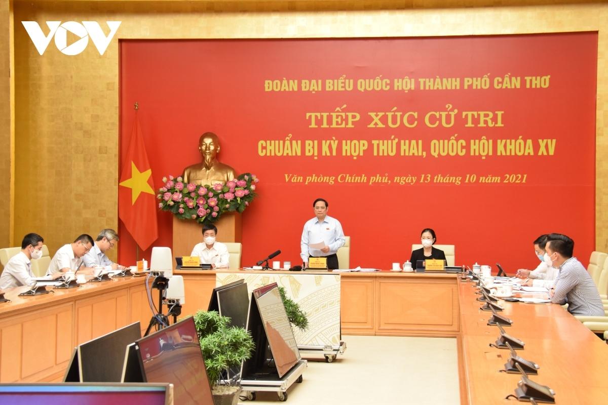 Thủ tướng Phạm Minh Chính tiếp xúc cử tri TP Cần Thơ bằng hình thức trực tuyến