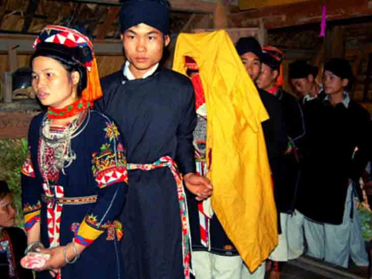 Wedding is a very important ceremony of the Cao Lan. (photo - phongtuc.vn)