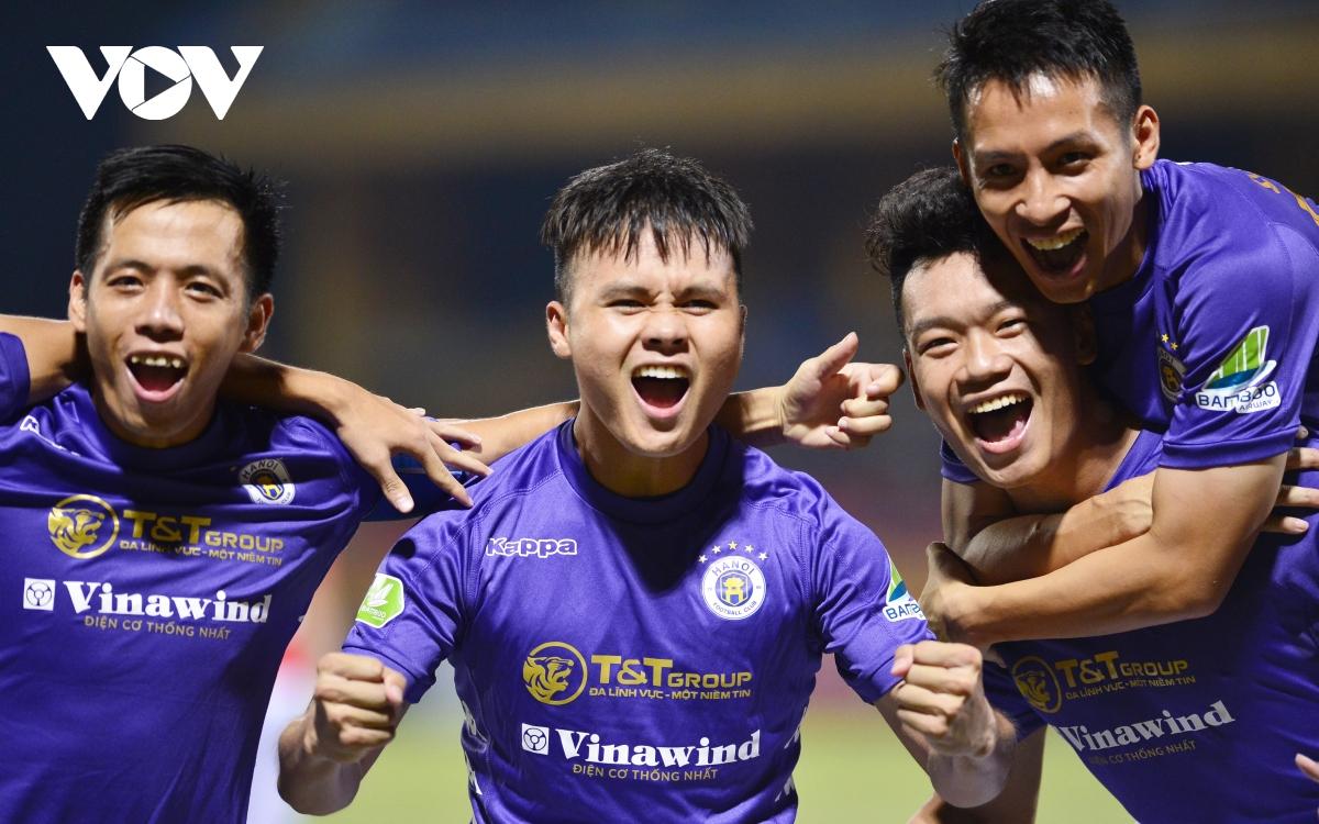 Ảnh: Hà Nội FC khiến hai ngoại binh tiền tỉ của TPHCM khóc thét - Ảnh 19.
