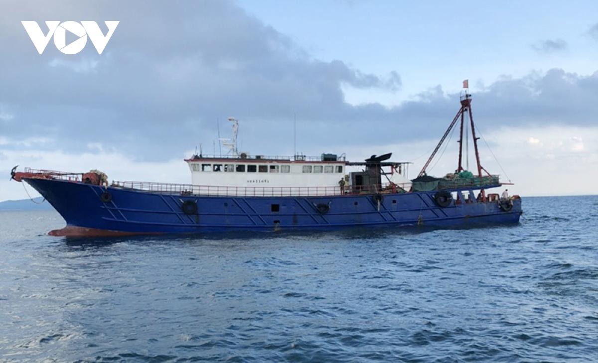 Phát hiện tàu cá Trung Quốc đánh bắt trái phép trên vùng biển Việt Nam