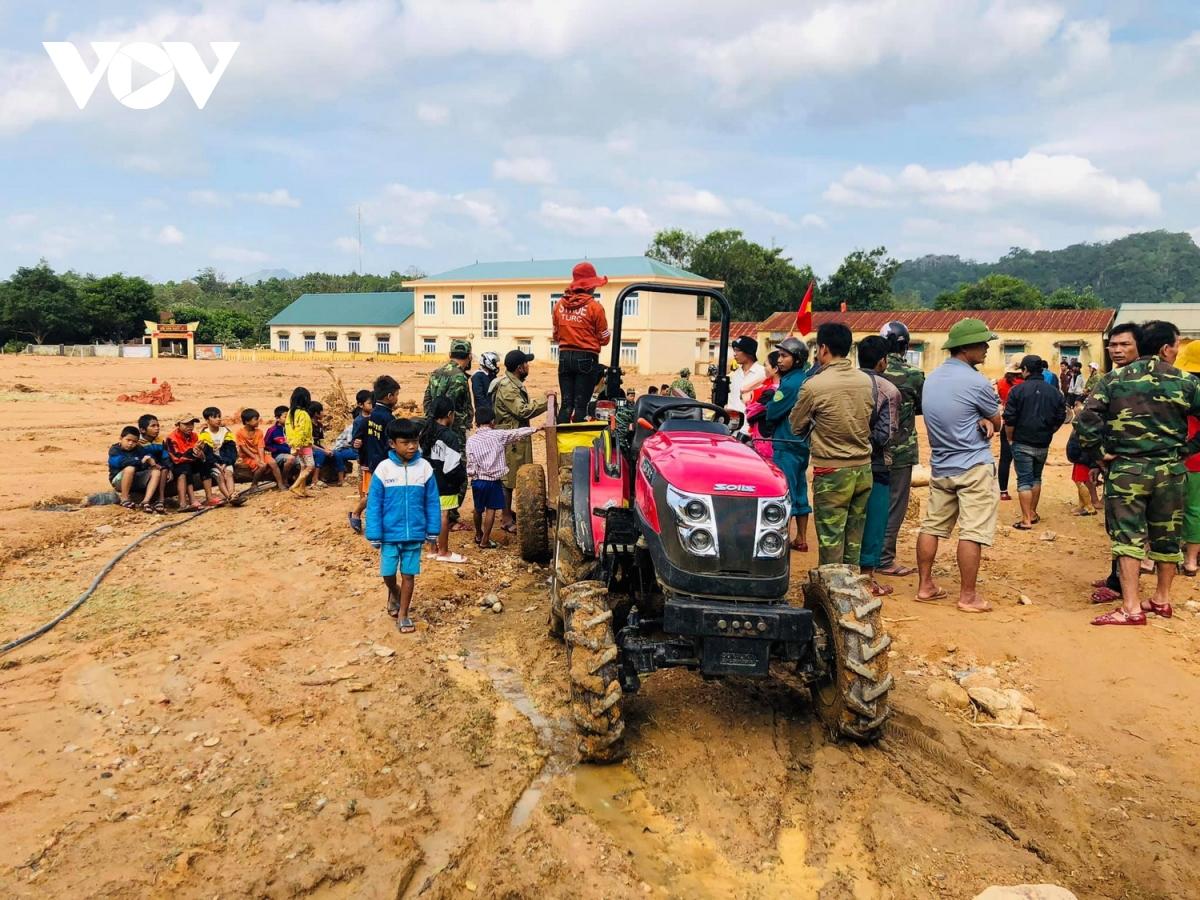 Xã Hướng Việt, huyện Hướng Hóa, Quảng Trị hiện vẫn bị cô lập sau 7 ngày do giao thông bị chia cắt./.