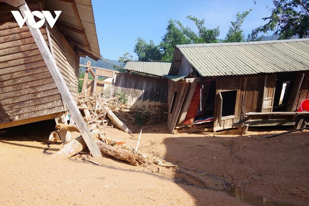 Mưa lũ gây thiệt hại nặng nề cho nhân dân xã Hướng Việt