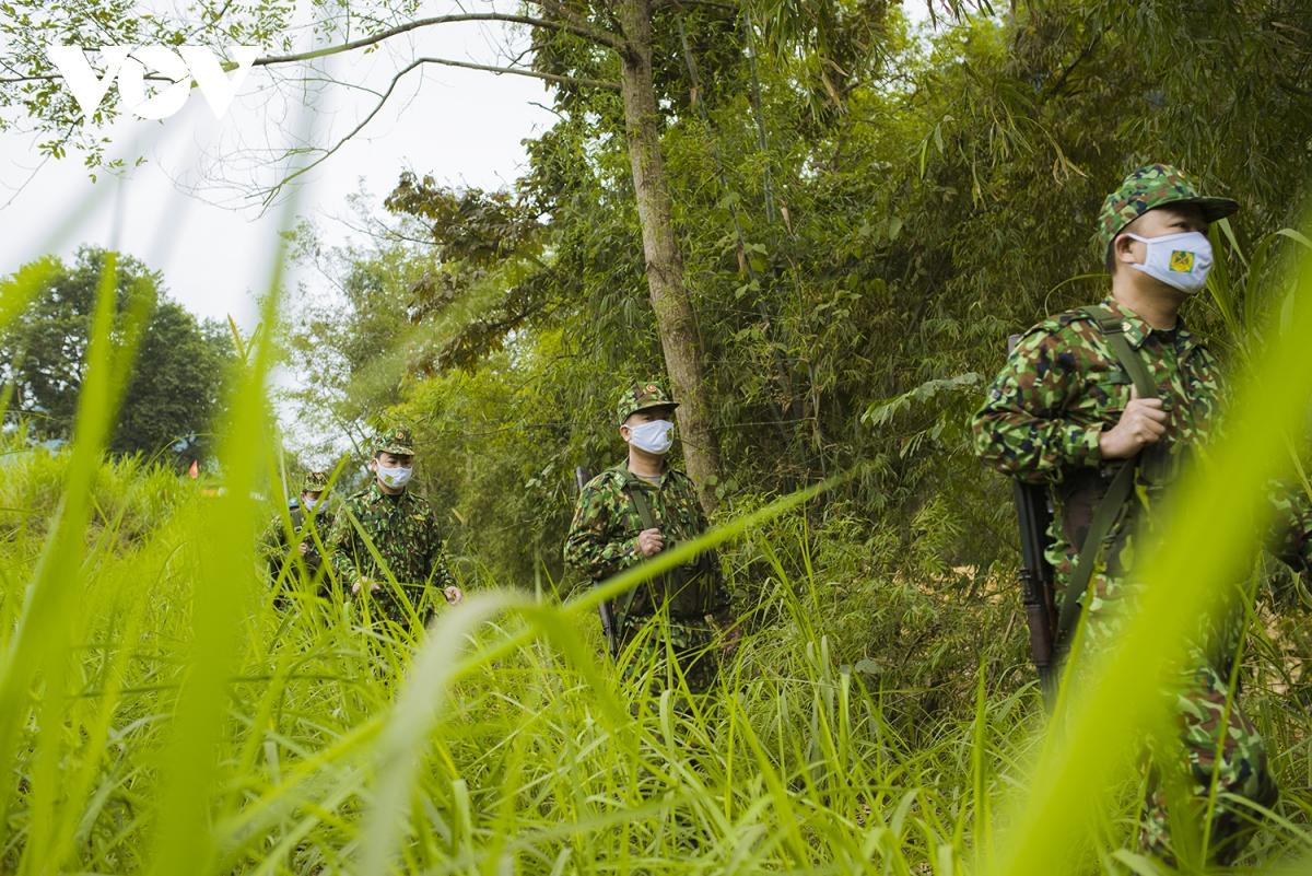 Đồn Biên phòng Bản Lầu quản lý địa bàn 2 xã và tuyến biên giới dài hơn 13 km.