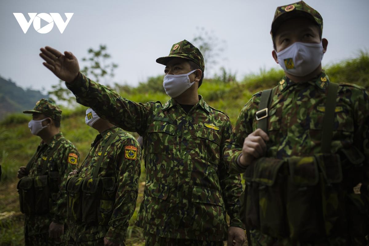 Mỗi cán bộ, chiến sĩ đều nhận nhiệm vụ cao cả, quyết tâm thực hiện mục tiêu kép, vừa bảo vệ chủ quyền lãnh thổ, vừa phòng chống dịch.