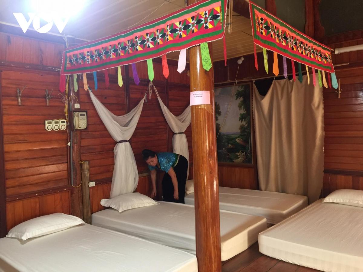 Homstay Tiến Quân bố trí ăn, ngủ, nghỉ mang đậm văn hóa Thái.