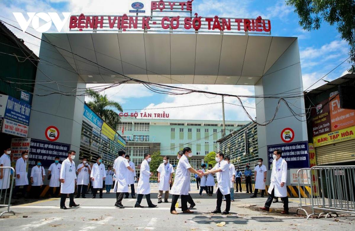 Hình ảnh dỡ bỏ phong tỏa bệnh viện K cơ sở Tân Triều - ảnh 3