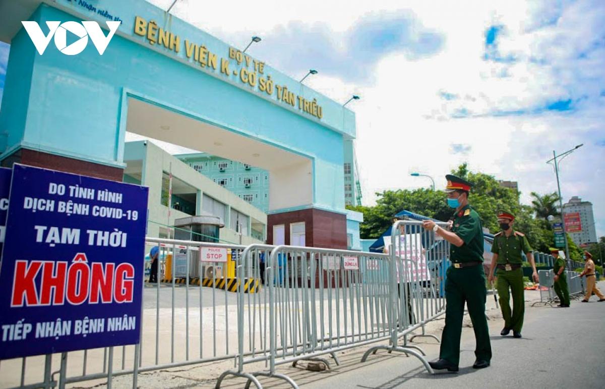 Hình ảnh dỡ bỏ phong tỏa bệnh viện K cơ sở Tân Triều - ảnh 9