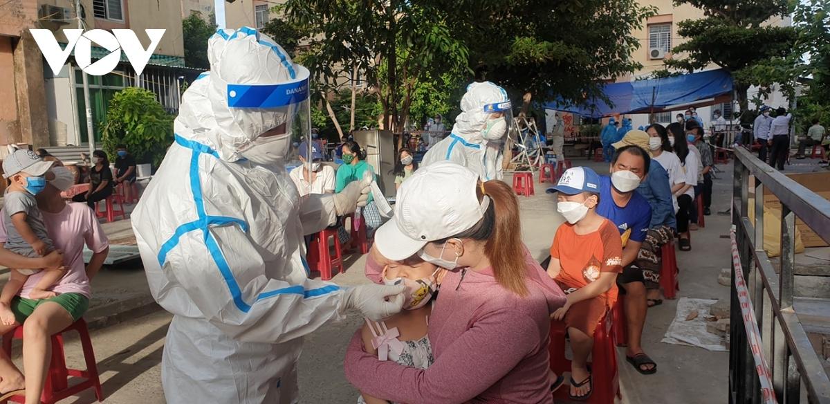 Sẽ xử lý Phó Chánh Văn phòng Đoàn ĐBQH Đà Nẵng tát nhân viên y tế   VOV.VN