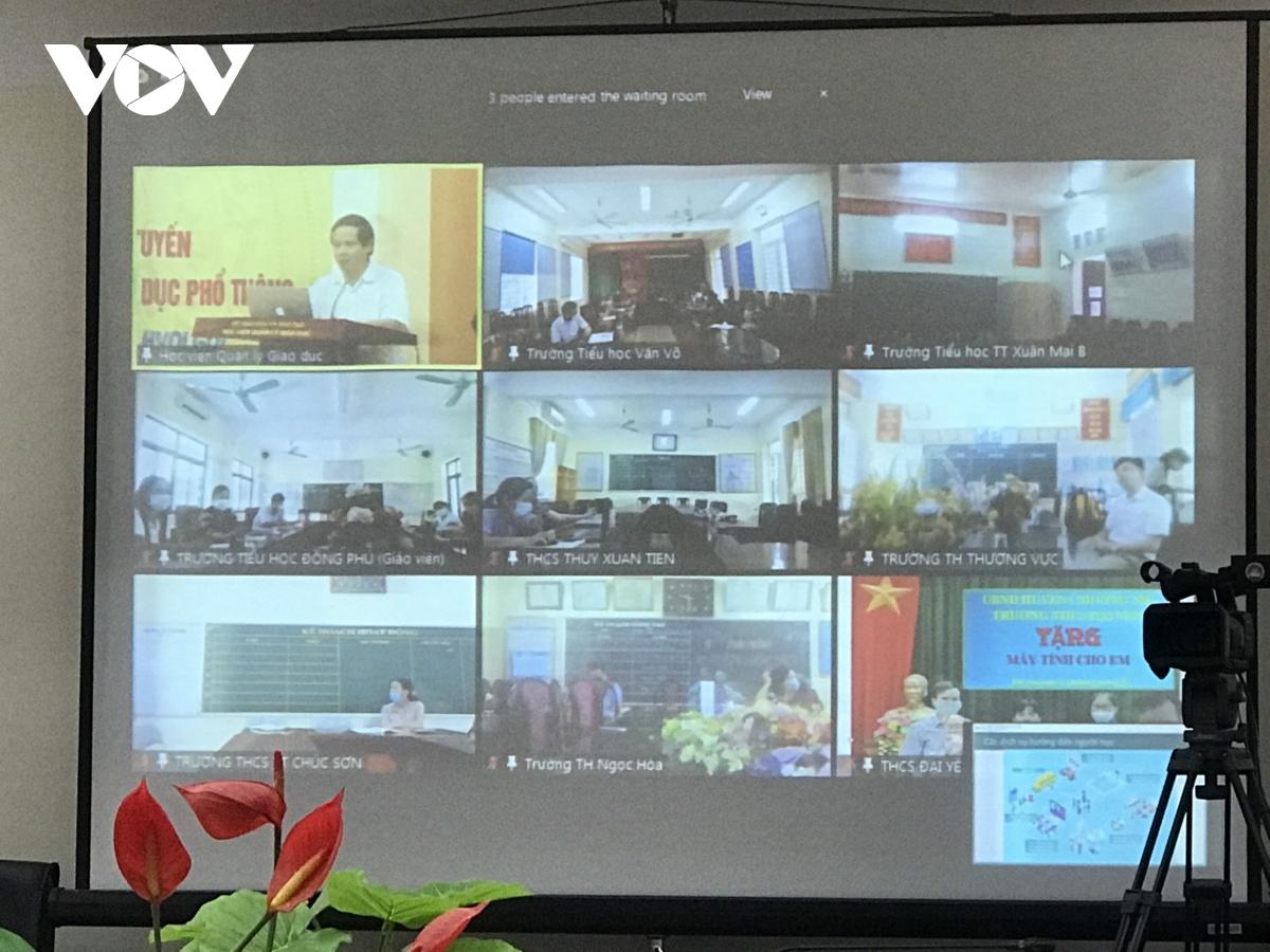 Cần nền tảng công nghệ đồng bộ khi dạy học trực tuyến, tránh mỗi nơi một phách