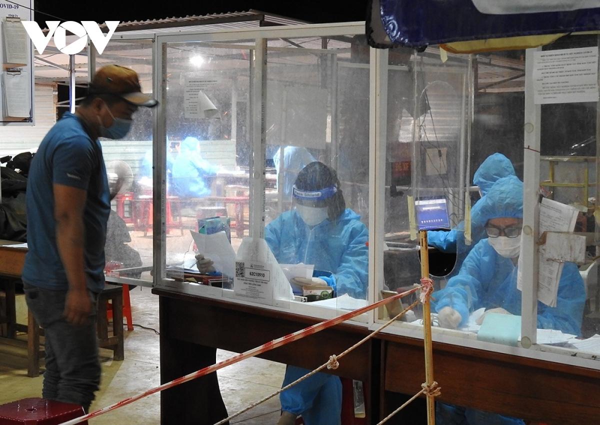 Kon Tum phát hiện 12 F0 và 13 trường hợp tái dương tính với SARS-CoV-2