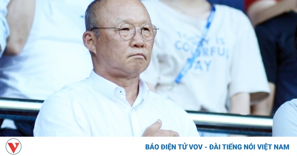 HLV Park Hang Seo đi xem đội bóng ồn ào nhất V-League 2020 thi đấu vòng 12 | VOV.VN