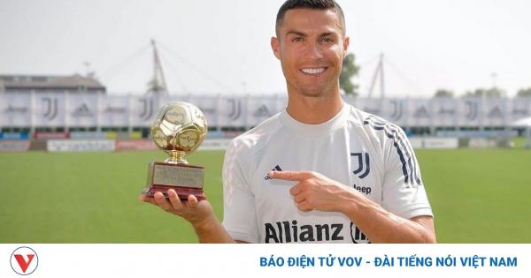 Cristiano Ronaldo nhận danh hiệu Cầu thủ ghi bàn xuất sắc nhất thế giới