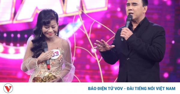MC Quyền Linh xúc động trước câu chuyện vượt lên số phận của ca sĩ Thái Trân