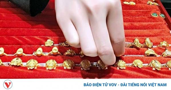 Giá vàng trong nước tiếp tục giảm | VOV.VN - giá vàng