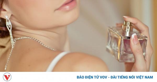 Mẹo sử dụng nước hoa giúp lưu giữ mùi hương suốt ngày dài | VOV.VN