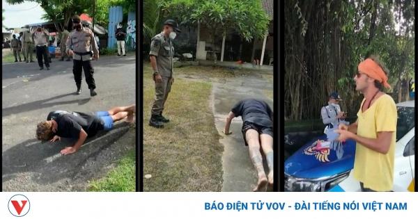 Nơi du khách bị phạt chống đẩy vì không đeo khẩu trang | VOV.VN