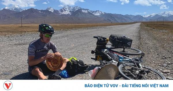 Đạp xe từ Trung Quốc về Anh nhờ lòng tốt của những người xa lạ | VOV.VN