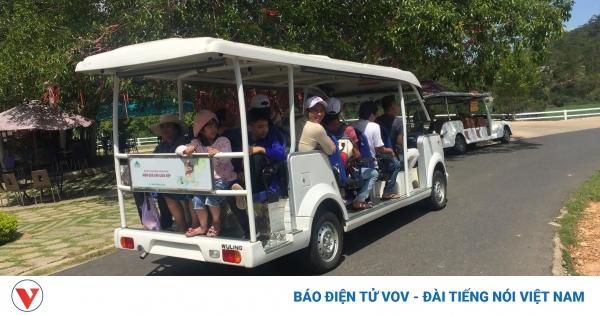 Khách đông kín dịp lễ: Lâm Đồng tiếp tục kích cầu du lịch an toàn | VOV.VN